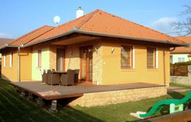 4 bedroom houses for sale in Lake Balaton. Townhome – Keszthely, Zala, Hungary