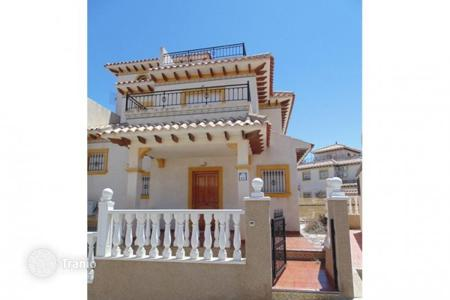 Cheap chalets for sale in Alicante. Townhouse — Orihuela Costa