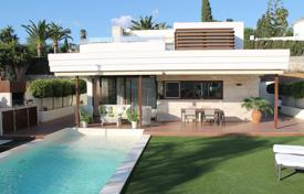Modern villa with a separate guest apartment, a private pool, a garage and a terrace, Mijas, Spain for 850,000 €