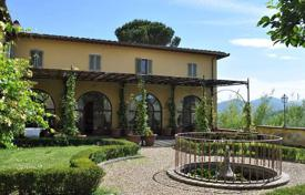 Luxury property for sale in Florence. Two-storey villa with a well-groomed garden in Florence, Tuscany, Italy