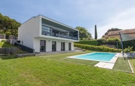 4 bedroom houses for sale in Nice. Recent contemporary Villa with sea view in Nice Fabron