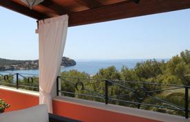 6 bedroom houses for sale in Majorca (Mallorca). Villa – Calvia, Balearic Islands, Spain