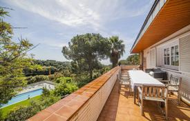 Houses with pools for sale in Costa del Maresme. Villa – Sant Andreu de Llavaneres, Catalonia, Spain