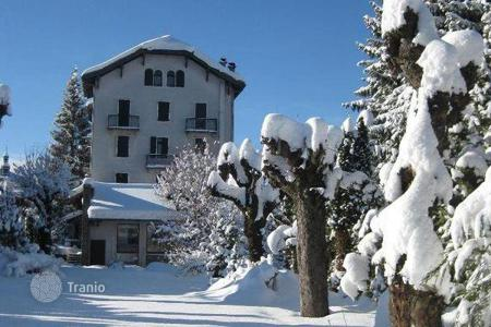 Chalets for rent in Megeve. Chalet – Megeve, Auvergne-Rhône-Alpes, France