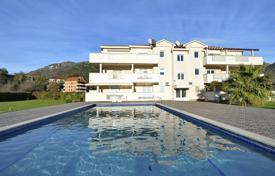 Apartments with pools for sale in Montenegro. Apartment – Petrovac, Budva, Montenegro