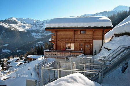 5 bedroom villas and houses to rent in Valais. Detached house – Riddes, Valais, Switzerland