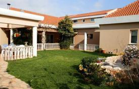 4 bedroom houses for sale in Paphos. Luxury 4 Bedroom Villa, Residential Area — Universal