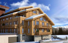 Three bedroom apartment with a balcony, a parking space, Courchevel, Savoie, France for 1,610,000 €
