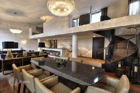 Luxury 6 bedroom apartments for sale in Europe. Three-story penthouse in Frankfurt
