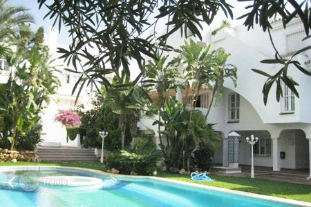5 bedroom apartments for sale in Andalusia. Apartment for sale in Arroyo de las Piedras, Marbella Golden Mile