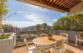 3 bedroom apartments for sale in Côte d'Azur (French Riviera). Superb 3 bedroom apartment with beautiful volumes, 4 terraces and sea view