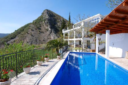 Houses with pools by the sea for sale in Montenegro. Villa – Becici, Budva, Montenegro
