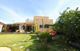 5 bedroom houses for sale in Majorca (Mallorca). Spacious villa with a private garden and a pool, Son Ferrer, Spain