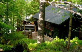 Residential for sale in Tampere. Wooden cottage with a sauna, on the shore of Näsijärvi Lake, Tampere, Finland