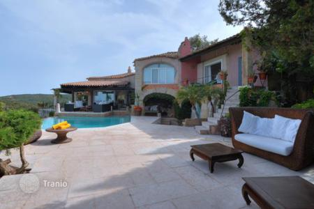 Villas and houses with pools to rent in Sardinia. Villa - Golfo Pevero, Sardinia, Italy