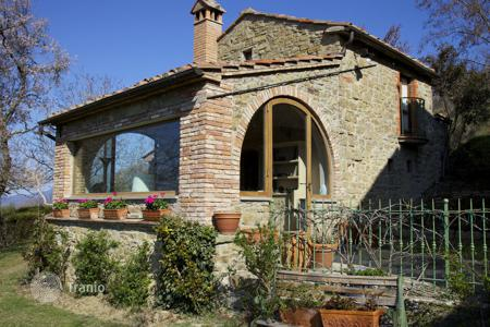 1 bedroom villas and houses to rent in Italy. Villa – Antria, Tuscany, Italy