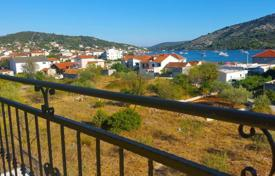 Property for sale in Sibenik-Knin. House with apartments