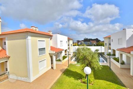 Townhouses for sale in Cascais. Townhouse in Cascais