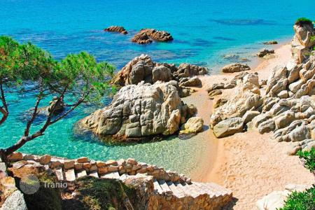 3 bedroom apartments by the sea for sale in Santiago. Apartment Costa Brava