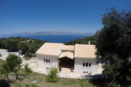 4 bedroom houses for sale in Corfu. Building size 270 sq. m, swimming pool, bbq, parking, sea view, mountain view, distance 5'from the sea, 7'from local market