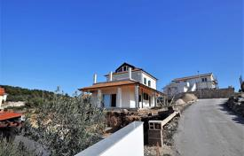 Houses with pools for sale in Rogoznica. Comfortable villa with a private garden, a swimming pool, a parking and a sea view, Rogoznica, Croatia