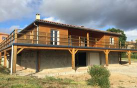 3 bedroom houses for sale in Occitanie. A wooden villa with a spacious garden, 25 minutes from Albi and Gaillac, France