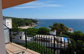 2 bedroom apartments for sale in Costa Brava. Apartment – Castell Platja d'Aro, Catalonia, Spain