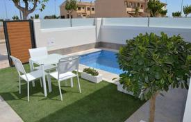 Townhouses for sale in Pilar de la Horadada. 3 bedroom modern townhouses with private pool, private garden and solarium in Pilar de la Horadada