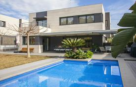 6 bedroom houses for sale in Catalonia. Villa – Sant Andreu de Llavaneres, Catalonia, Spain