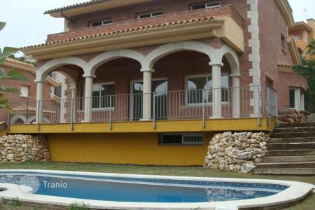 5 bedroom houses by the sea for sale in Sant Vicenç de Montalt. Villa – Sant Vicenç de Montalt, Catalonia, Spain