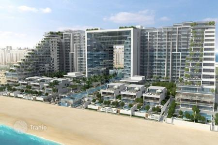 Luxury residential for sale in Western Asia. Townhouse with terrace, pool and sea views in the area of Palm Jumeirah