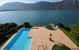 Luxury 3 bedroom apartments for sale in Central Europe. Apartment – Bissone, Lugano, Ticino, Switzerland