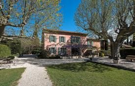 Luxury residential for sale in Bouches-du-Rhône. Eygalières — Gorgous renovated farmhouse