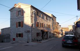 3 bedroom houses for sale in Istria County. Rustic stone house in North Istra