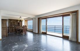 5 bedroom apartments for sale in Catalonia. Spacious apartment with a terrace and a sea view, in an elite condominium with swimming pools and a garden, Sant Antoni de Calonge, Spain