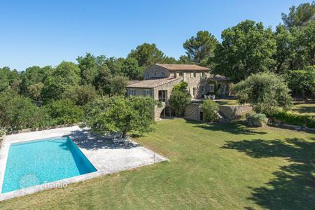 Property for sale in Ménerbes. Luberon — Stone house in traditional style