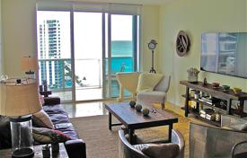 Three-bedroom apartment with a beautiful view of the city and the ocean in Hallandale Beach, Florida, USA for $710,000