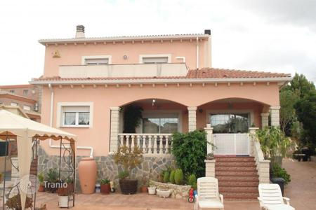 Property for sale in El Vendrell. Villa – El Vendrell, Catalonia, Spain