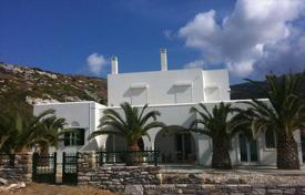 Comfortable villa with a private garden, a parking, a terrace and sea and mountain views, on the first coastline, Naxos, Greece for 1,000,000 €