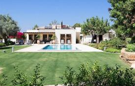 5 bedroom houses for sale in Paphos. Luxury 4 bedroom villa with annex in exclusive resort – Aphrodite Hills