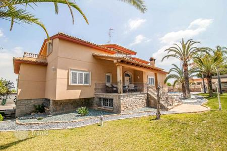 Property for sale in Benaguasil. Villa – Benaguasil, Valencia, Spain