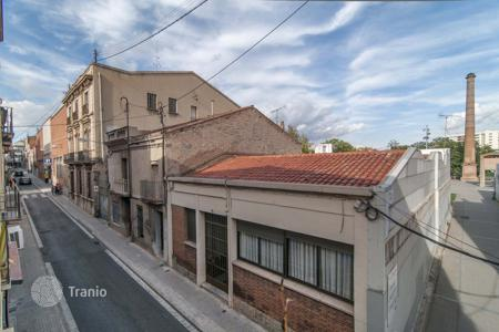 Residential for sale in Terrassa. Terraced house – Terrassa, Catalonia, Spain