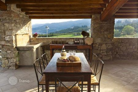 5 bedroom villas and houses by the sea to rent in Tuscany. Villa – San Donato In Collina, Tuscany, Italy