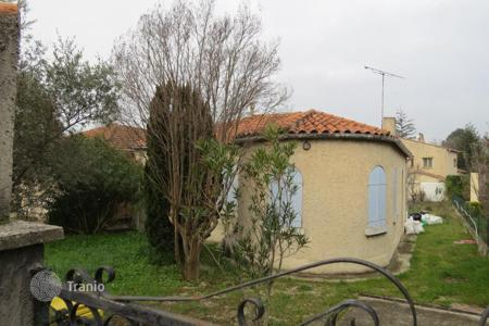 2 bedroom houses for sale in France. Charming House needs to be renovated
