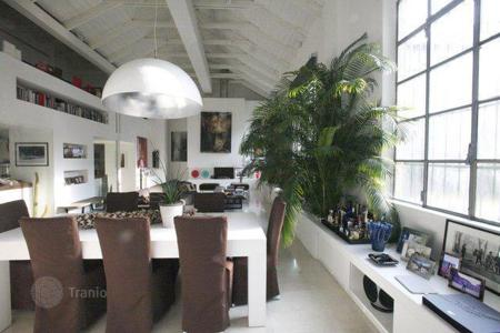 Luxury apartments for sale in Lombardy. Loft in Milan