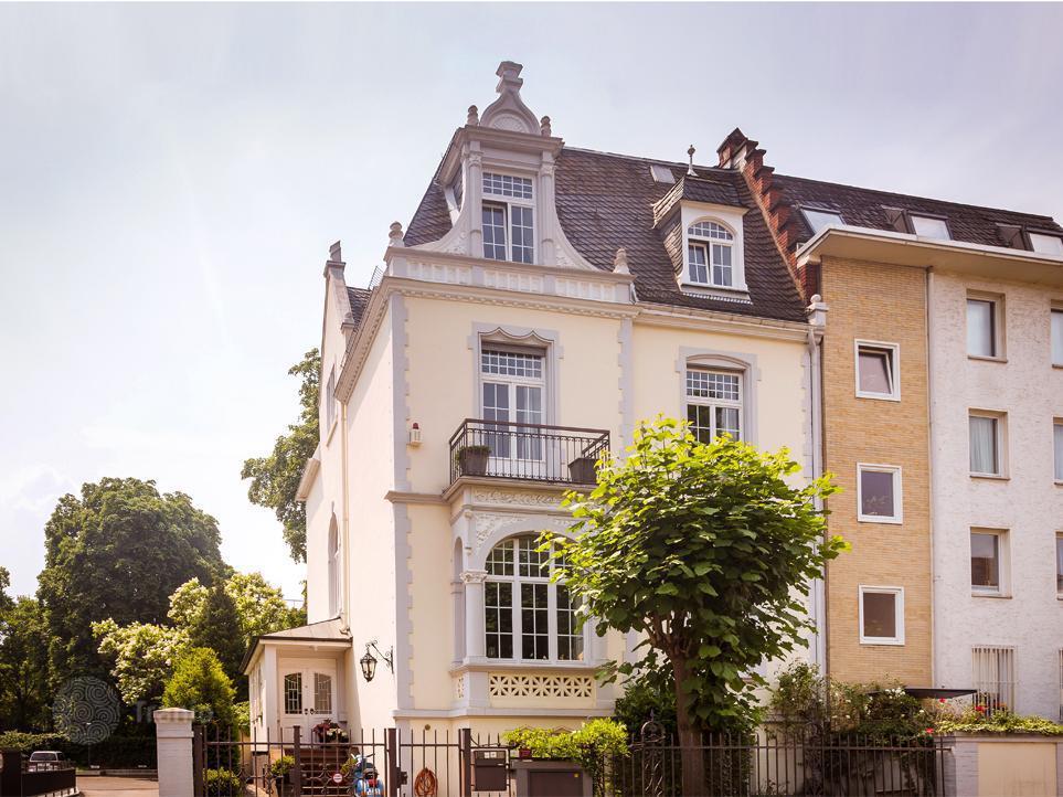 Houses for sale in Frankfurt am Main - Buy villas in ...