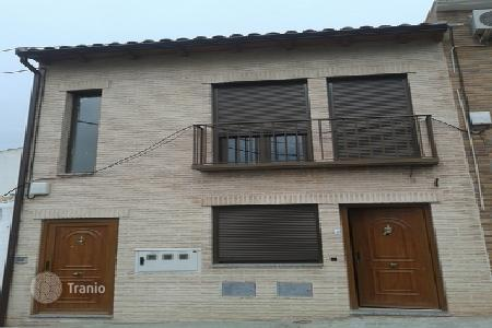 2 bedroom houses for sale in Castille La Mancha. Villa – Esquivias, Castille La Mancha, Spain