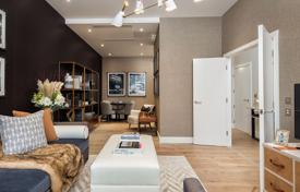 Property for sale in London. New townhouse with a garage, a balcony, a terrace and a garden in a residence with a concierge, a gym and a supermarket, London, UK