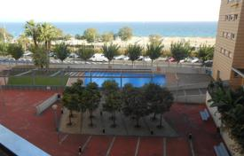 Property for sale in Montgat. Flat with lovely sea views on the 1st sea line!
