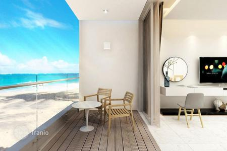 3 bedroom off-plan houses for sale overseas. Modern villas in Cam Ranh, Vietnam. Terraces, swimming pools, parking spaces, oceanfront. Rental income 10% per annum during 10 years